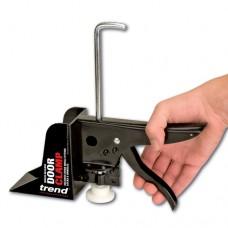 Door clamp ratchet type